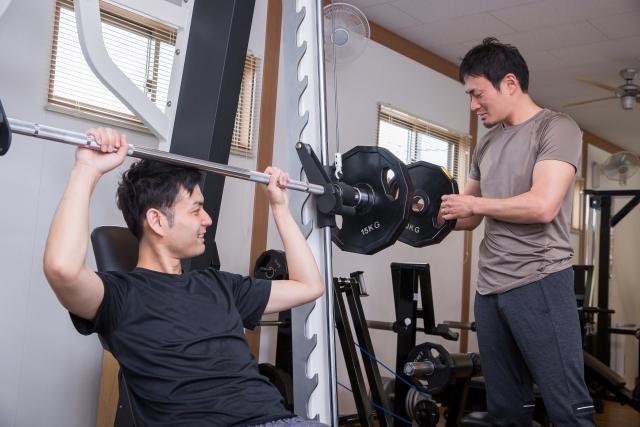 1日1食で基礎代謝は落ちるの?痩せたら減るのが人の摂理